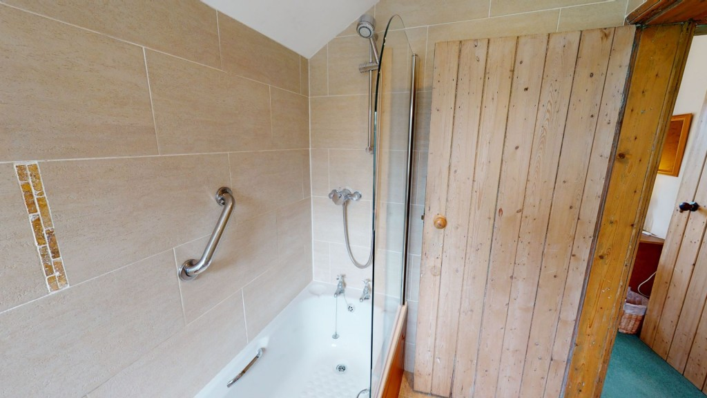 smailholm-mains-bathroom-02