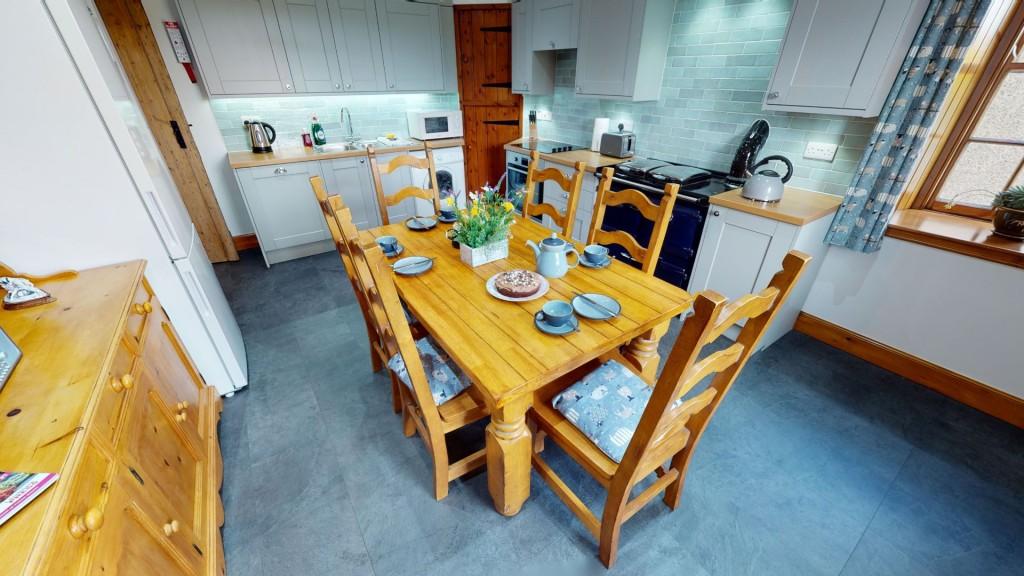 smailholm-mains-kitchen-01