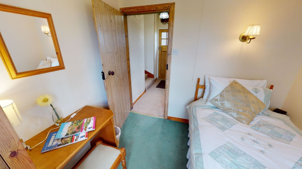 smailholm-mains-single-bedroom-02